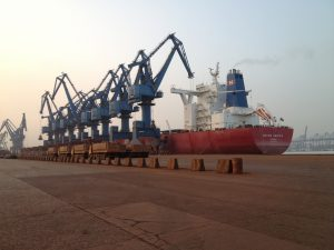 iron_ore_ship_unloading